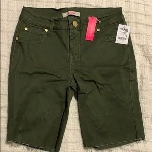 Bermuda shorts new with tags size 0